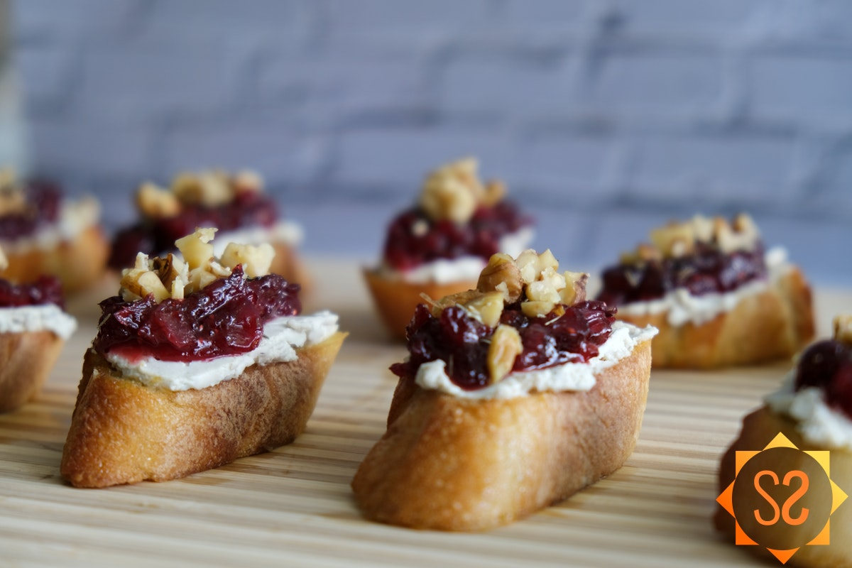 Cranberry and cashew goat cheese crostini